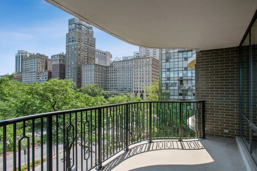 Real Estate Photography - 1040 N Lake Shore Dr, 5A, Chicago, IL, 60611 - Terrace