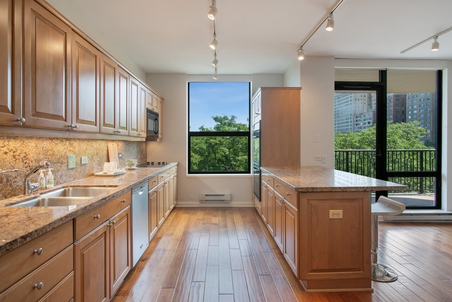 Real Estate Photography - 1040 N Lake Shore Dr, 5A, Chicago, IL, 60611 - Kitchen