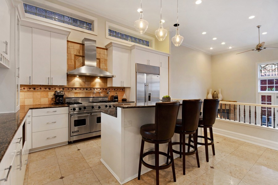 Real Estate Photography - 1664 N Burling, Chicago, IL, 60614 - Kitchen