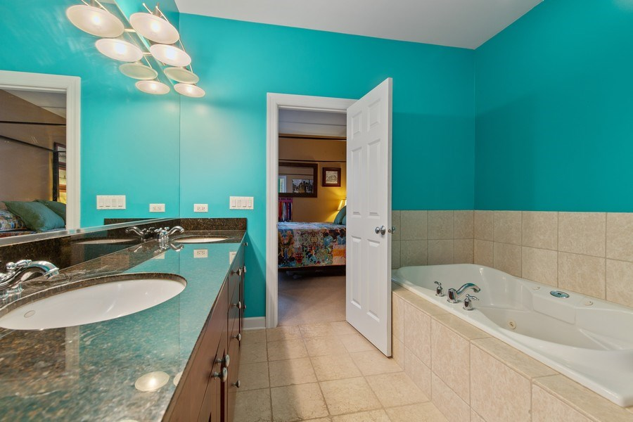 Real Estate Photography - 511 Forest Ave, Evanston, IL, 60202 - Master Bathroom