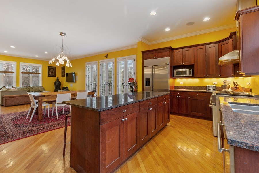 Real Estate Photography - 511 Forest Ave, Evanston, IL, 60202 - Kitchen