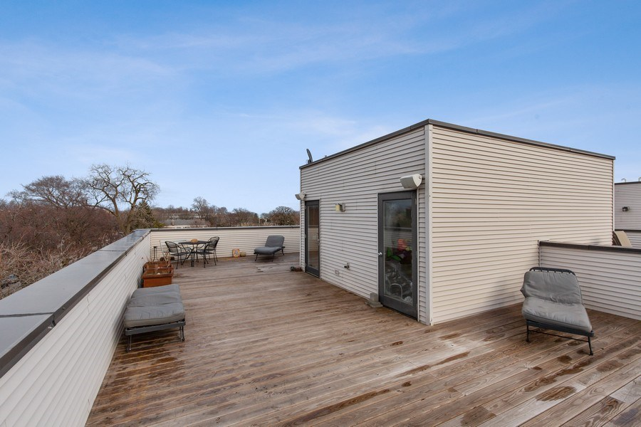 Real Estate Photography - 511 Forest Ave, Evanston, IL, 60202 - Roof Deck