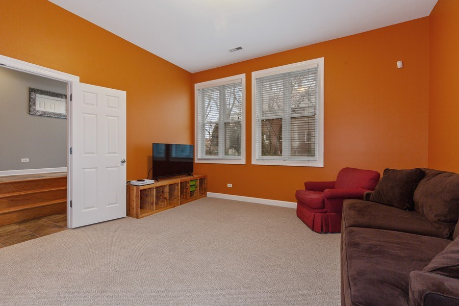 Real Estate Photography - 511 Forest Ave, Evanston, IL, 60202 - Family Room