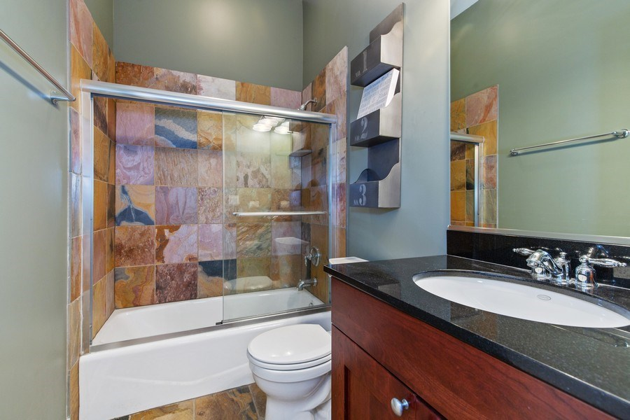 Real Estate Photography - 511 Forest Ave, Evanston, IL, 60202 - 2nd Bathroom