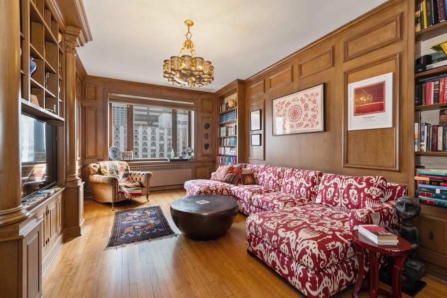 Real Estate Photography - 179 East Lake Shore Drive, Apartment 22E, Chicago, IL, 60611 - Library