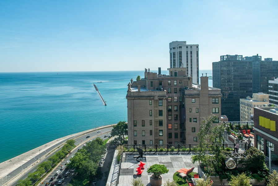 Real Estate Photography - 179 East Lake Shore Drive, Apartment 22E, Chicago, IL, 60611 - East View