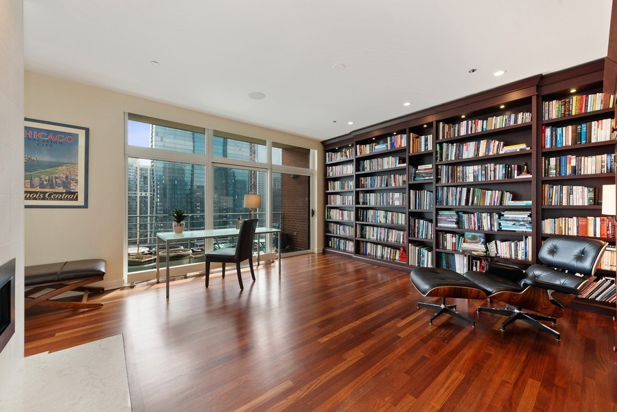 Real Estate Photography - 415 E North Water St, Unit 2803, Chicago, IL, 60611 - Library