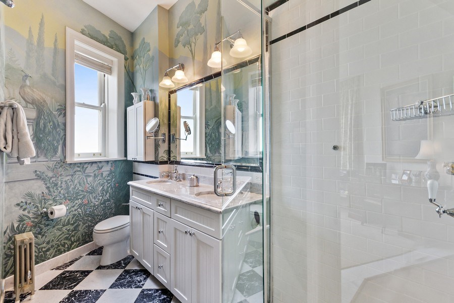 Real Estate Photography - 999 Lake Shore Dr, 3C, Chicago, IL, 60611 - Master Bathroom