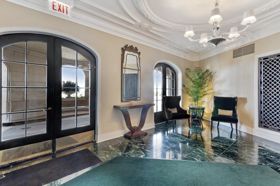 Real Estate Photography - 999 Lake Shore Dr, 3C, Chicago, IL, 60611 - Lobby