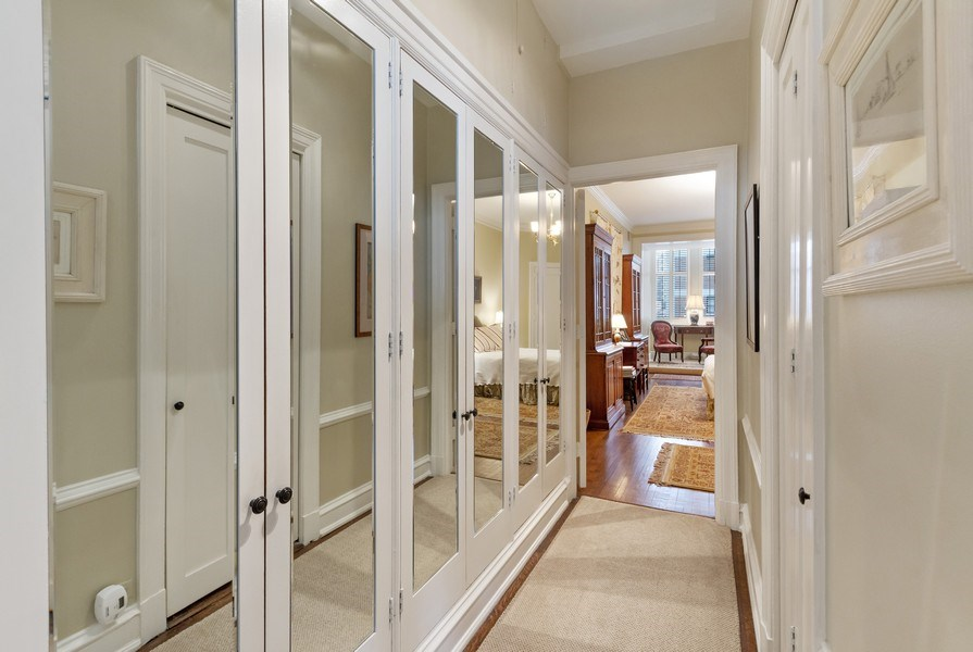 Real Estate Photography - 999 Lake Shore Dr, 3C, Chicago, IL, 60611 - Hallway