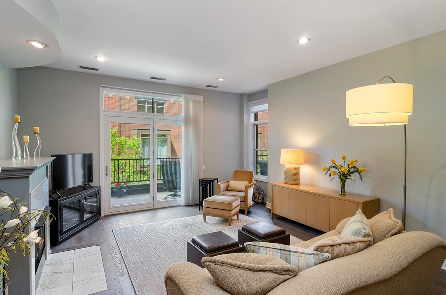 Real Estate Photography - 550 W Fulton, 202, Chicago, IL, 60661 - Living Room