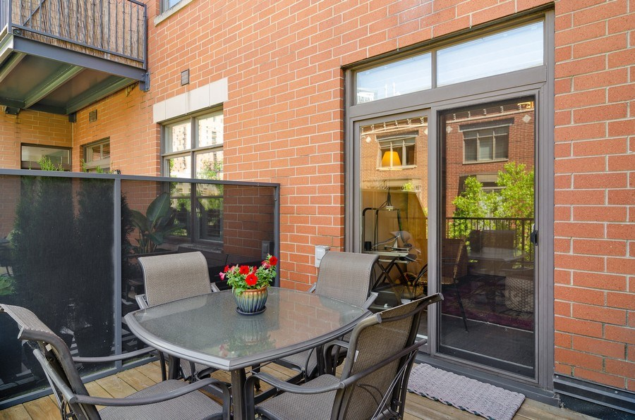 Real Estate Photography - 550 W Fulton, 202, Chicago, IL, 60661 - Terrace 2