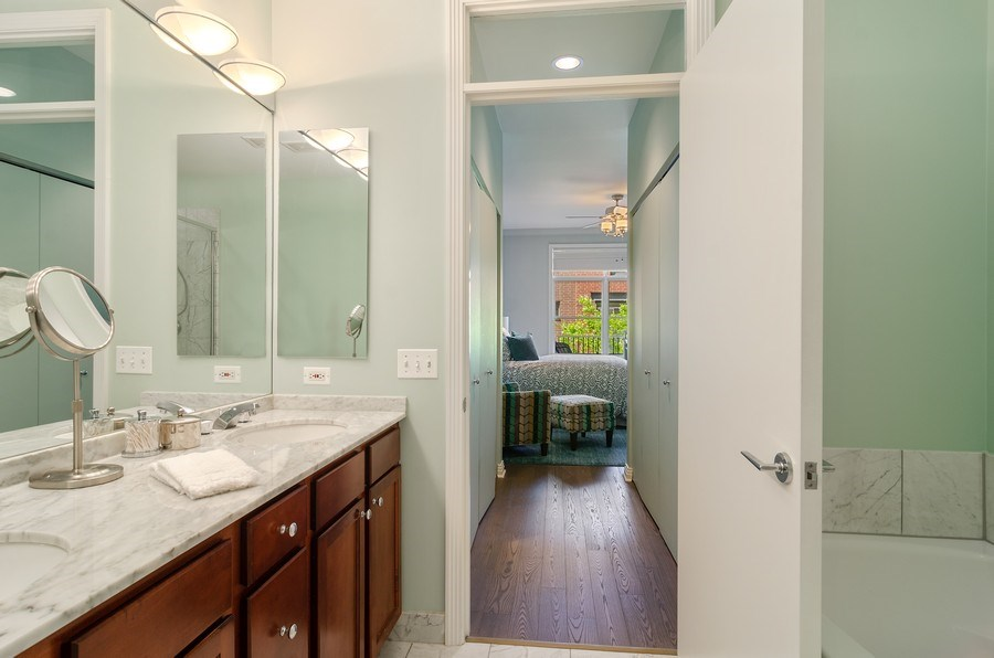 Real Estate Photography - 550 W Fulton, 202, Chicago, IL, 60661 - Master Bathroom