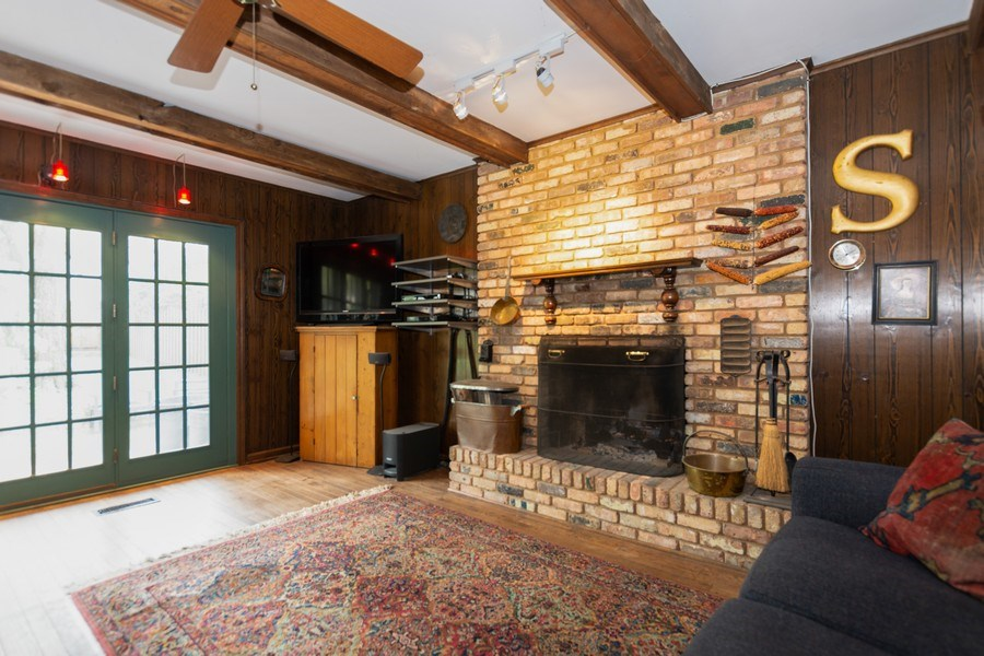 Real Estate Photography - 714 S Madison St, Hinsdale, IL, 60521 - Family Room