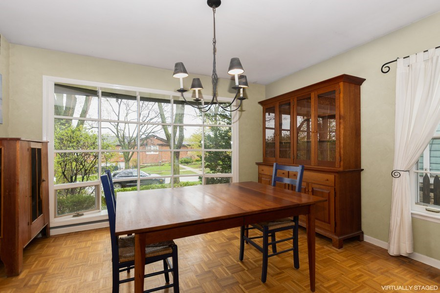 Real Estate Photography - 714 S Madison St, Hinsdale, IL, 60521 - Dining Room