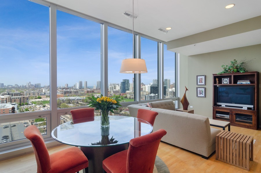 Real Estate Photography - 500 W Superior Street, 1402, Chicago, IL, 60654 - Dining Room