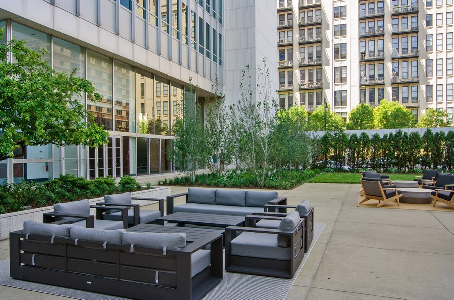 Real Estate Photography - 500 W Superior Street, 1402, Chicago, IL, 60654 -