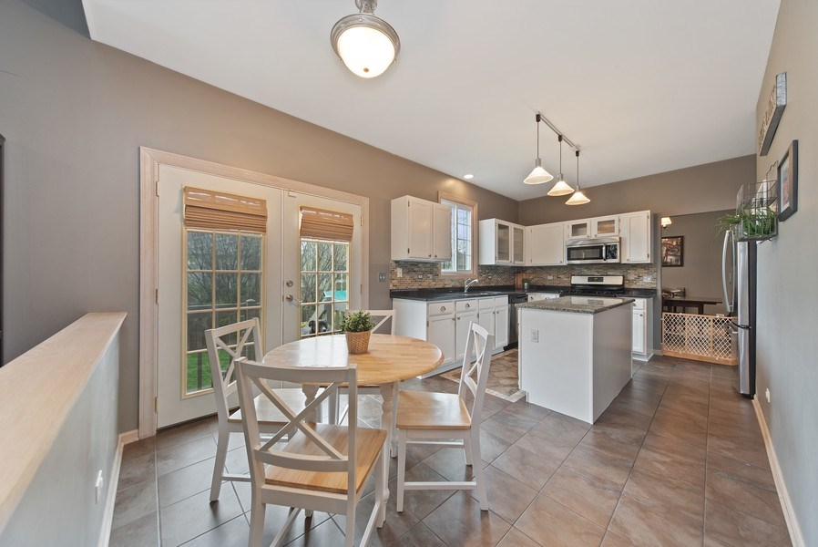 Real Estate Photography - 768 Alleghany Rd., Grayslake, IL, 60030 - Kitchen / Breakfast Room