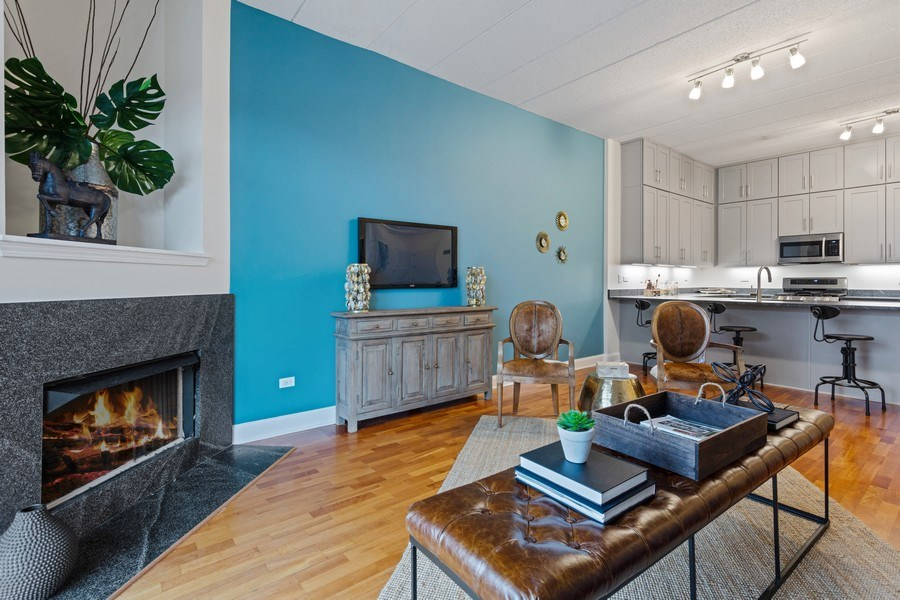 Real Estate Photography - 1301 W Washington, #208, Chicago, IL, 60607 - Living Room