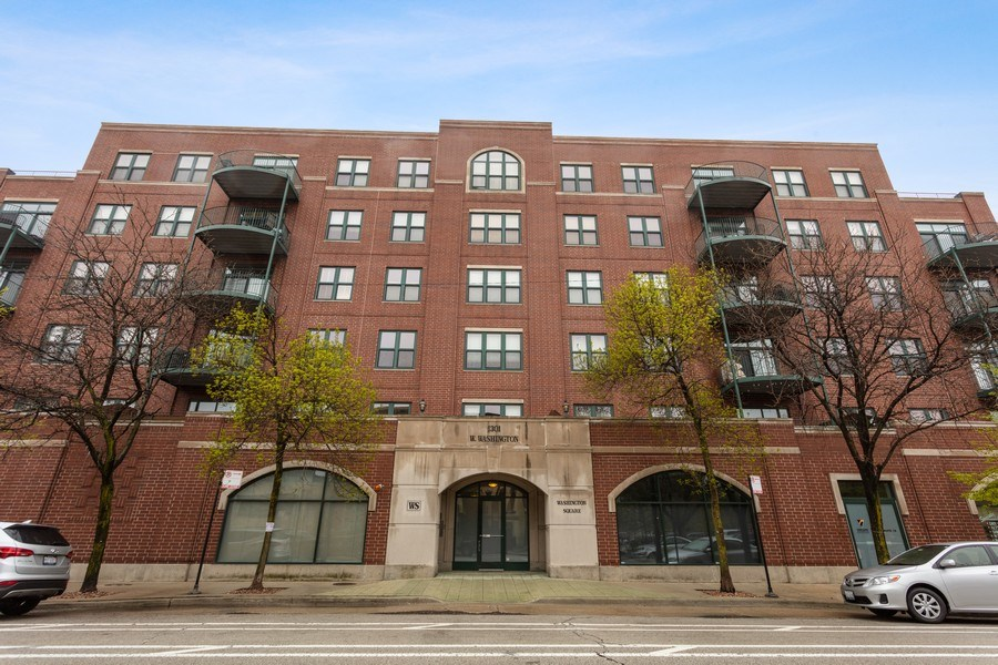 Real Estate Photography - 1301 W Washington, #208, Chicago, IL, 60607 - Front View