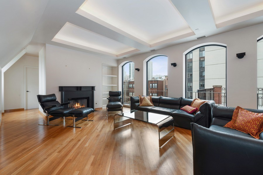 Real Estate Photography - 1340 N State Parkway, APT 4S, Chicago, IL, 60610 - Living Room