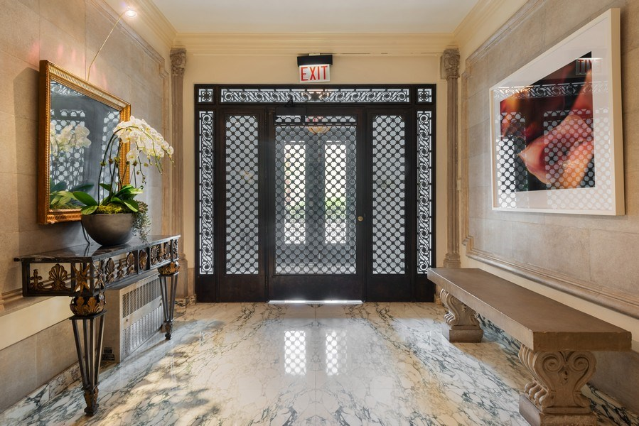 Real Estate Photography - 1340 N State Parkway, APT 4S, Chicago, IL, 60610 - Lobby