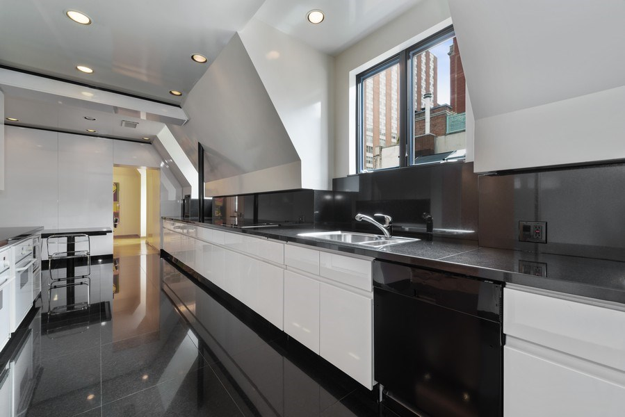 Real Estate Photography - 1340 N State Parkway, APT 4S, Chicago, IL, 60610 - Kitchen