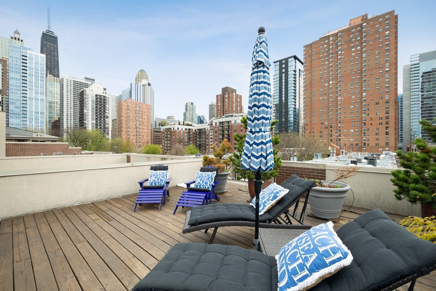 Real Estate Photography - 112 W Delaware, Chicago, IL, 60610 - Roof Deck