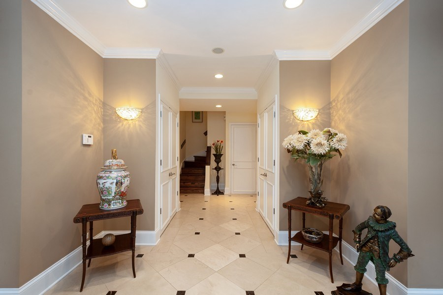 Real Estate Photography - 112 W Delaware, Chicago, IL, 60610 - Foyer