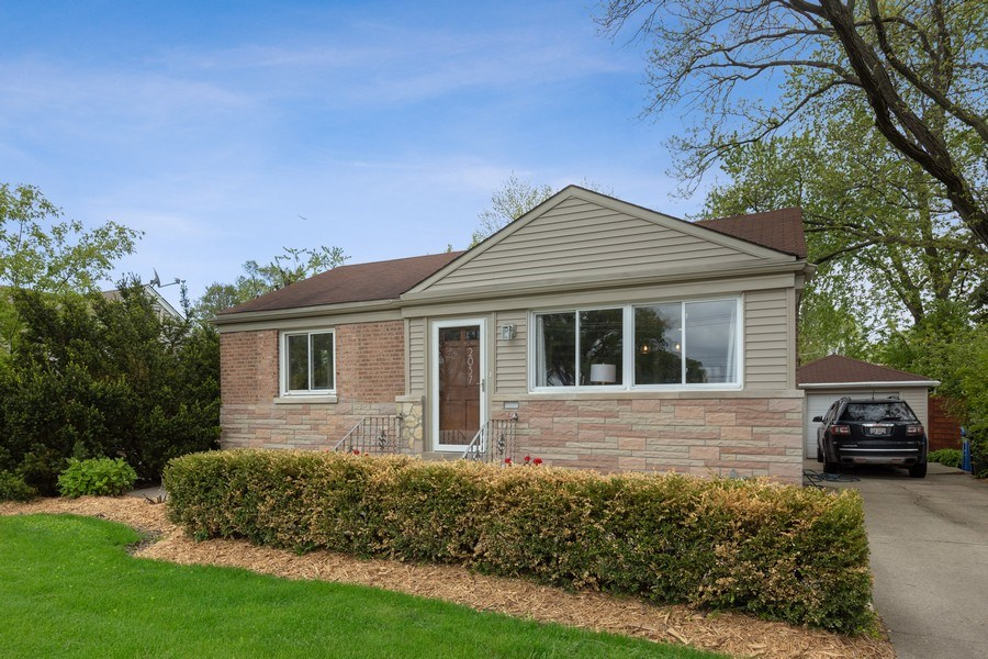 Real Estate Photography - 2037 East Touhy, Des Plaines, IL, 60018 - Front View