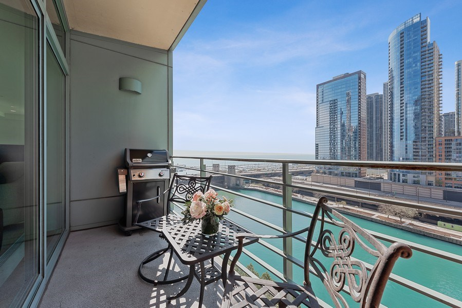 Real Estate Photography - 415 E North Water Street, 1303, CHicago, IL, 60611 - Terrace
