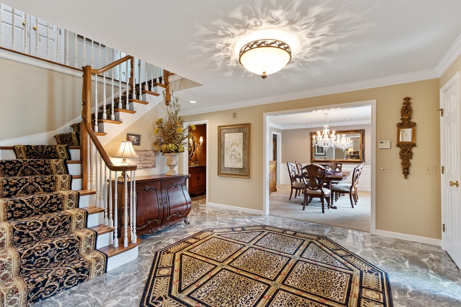 Real Estate Photography - 1039 N Derbyshire Ave, Arlington Heights, IL, 60004 - Foyer/Dining Room
