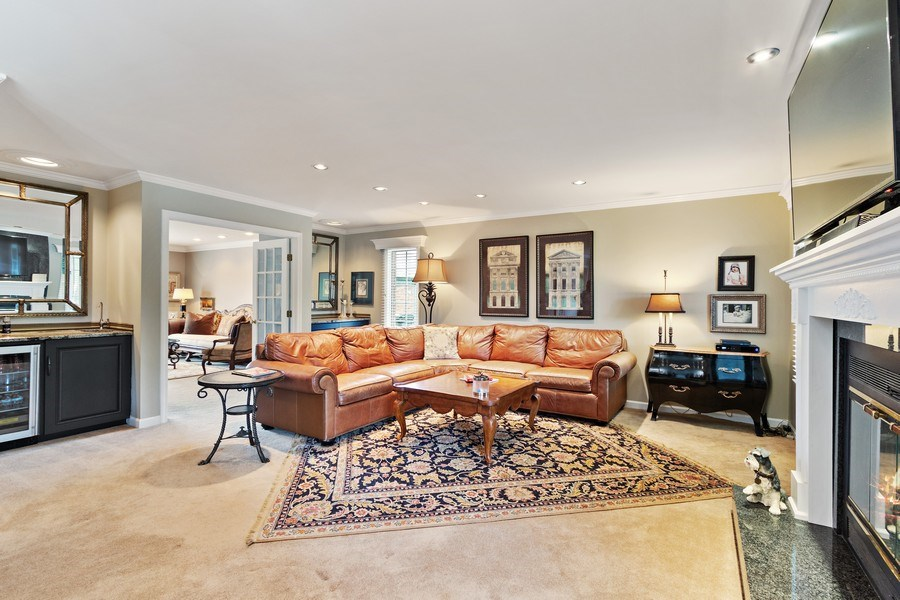 Real Estate Photography - 1039 N Derbyshire Ave, Arlington Heights, IL, 60004 - Living Rm/Family Rm