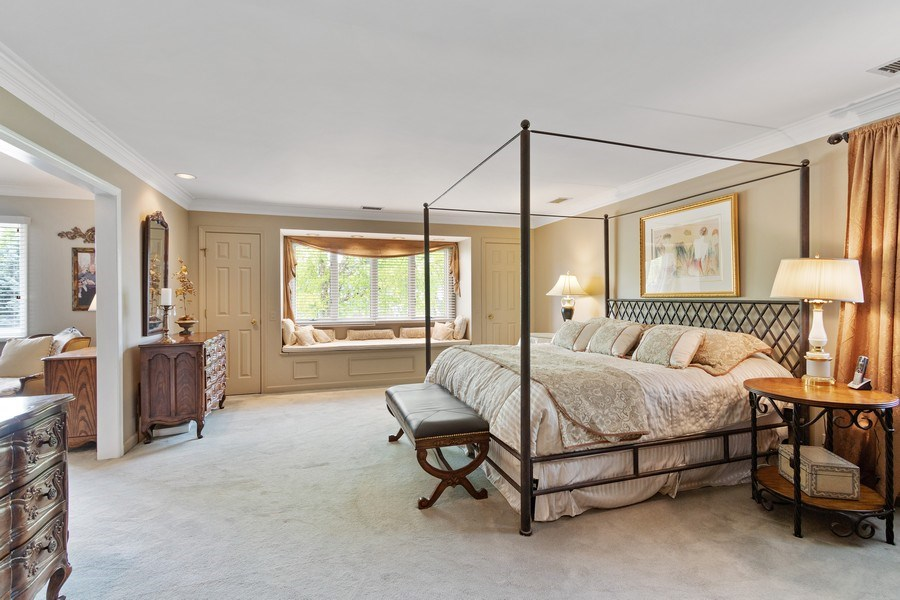 Real Estate Photography - 1039 N Derbyshire Ave, Arlington Heights, IL, 60004 - Master Bedroom