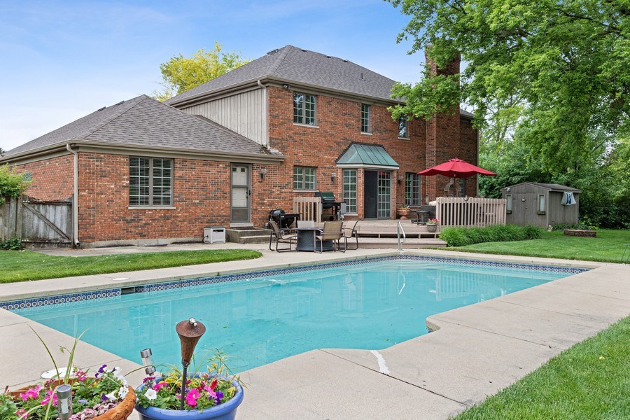Real Estate Photography - 1039 N Derbyshire Ave, Arlington Heights, IL, 60004 - Pool