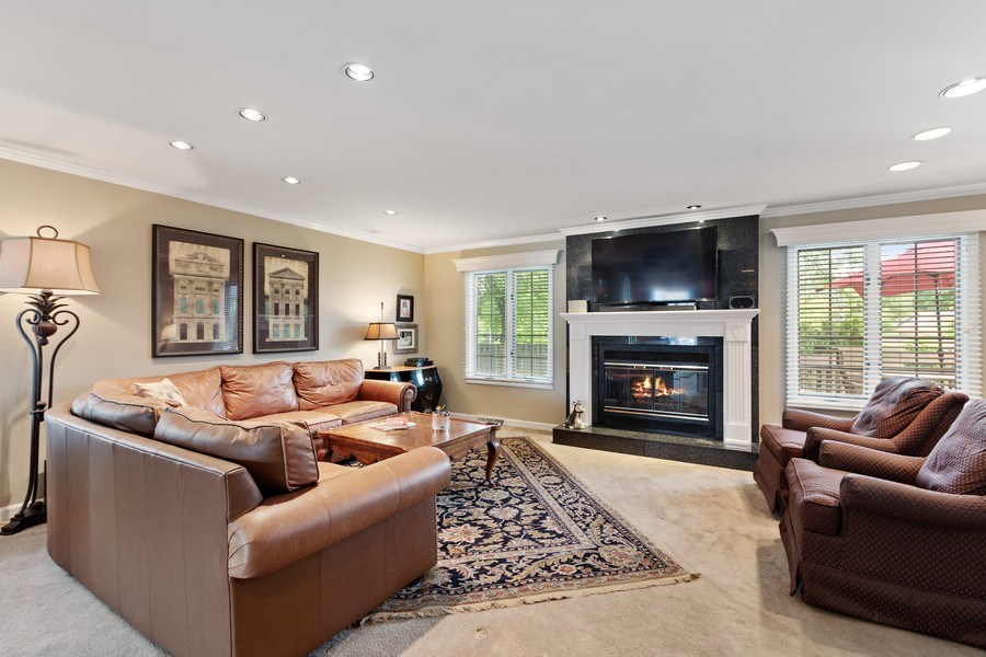 Real Estate Photography - 1039 N Derbyshire Ave, Arlington Heights, IL, 60004 - Family Room