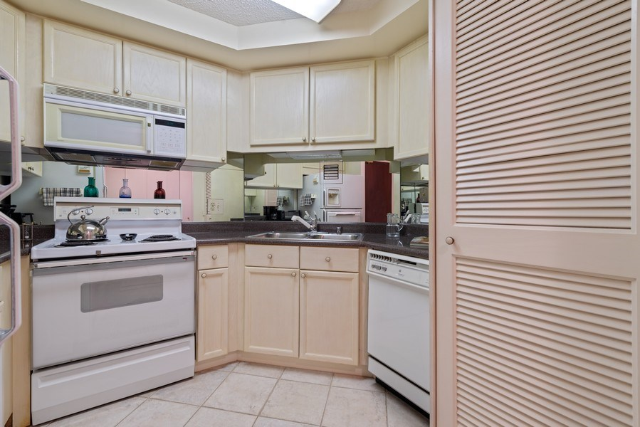 Real Estate Photography - 195 N Harbor Dr, Unit 3505, Chicago, IL, 60601 - Kitchen