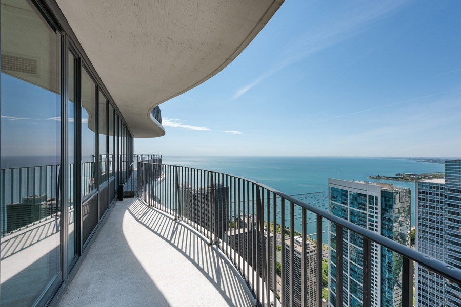Real Estate Photography - 225 N Columbus Ave, Unit 7807, Chicago, IL, 60601 - Terrace