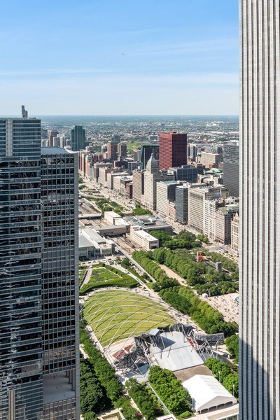 Real Estate Photography - 225 N Columbus Ave, Unit 7807, Chicago, IL, 60601 - City View