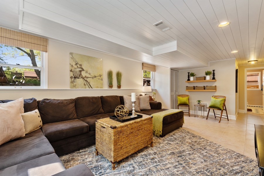 Real Estate Photography - 319 Maple Street, Glen Ellyn, IL, 60137 - Family Room