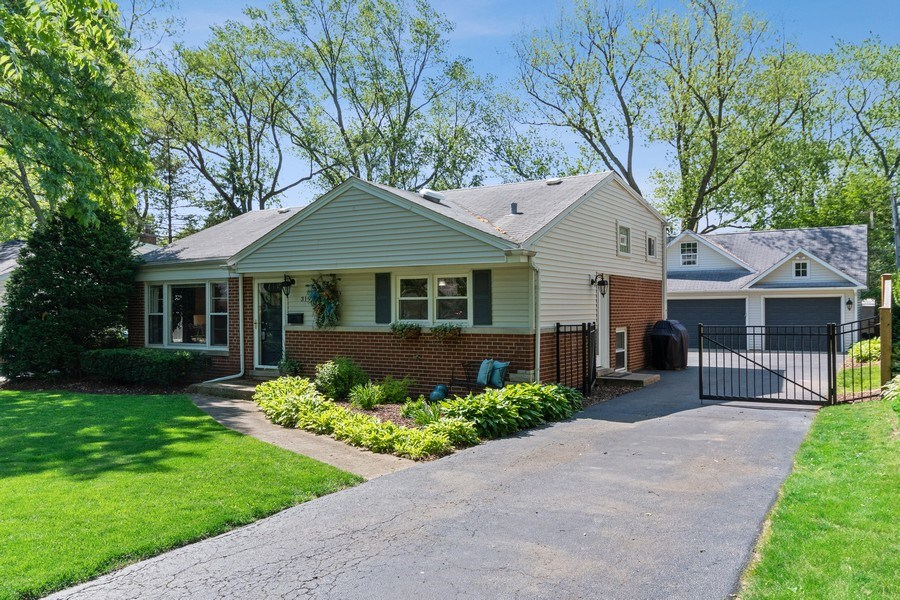 Real Estate Photography - 319 Maple Street, Glen Ellyn, IL, 60137 - Front View