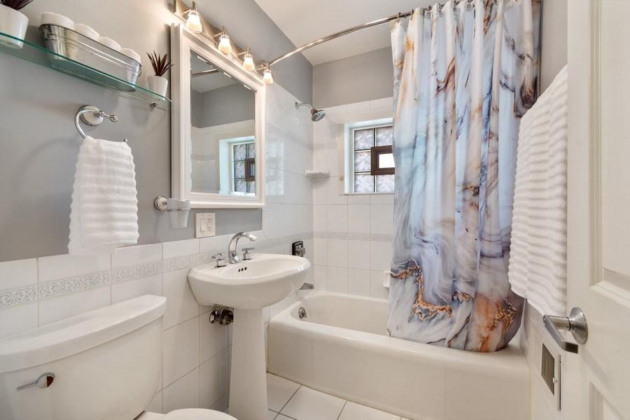 Real Estate Photography - 319 Maple Street, Glen Ellyn, IL, 60137 - 2nd Bathroom