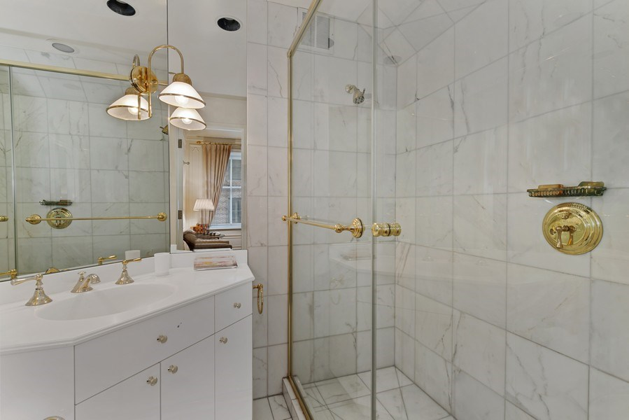 Real Estate Photography - 179 East Lake Shore Drive, Apartment 601, Chicago, IL, 60611 - 2nd Bathroom
