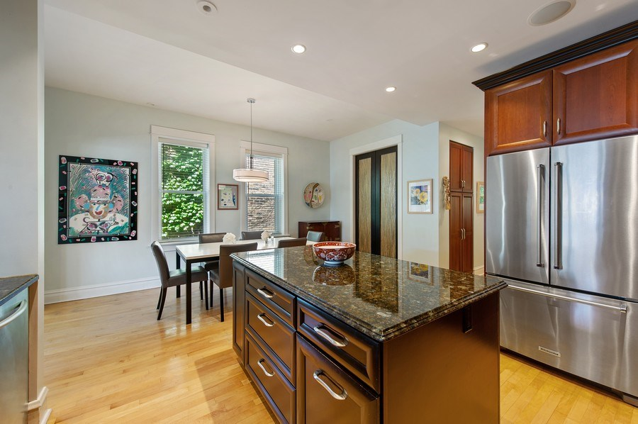 Real Estate Photography - 2039 W Cullom, Chicago, IL, 60618 - Kitchen / Breakfast Room
