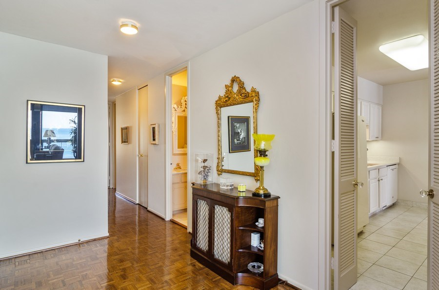 Real Estate Photography - 1240 N Lake Shore Drive, Unit 9B, Chicago, IL, 60610 - Foyer