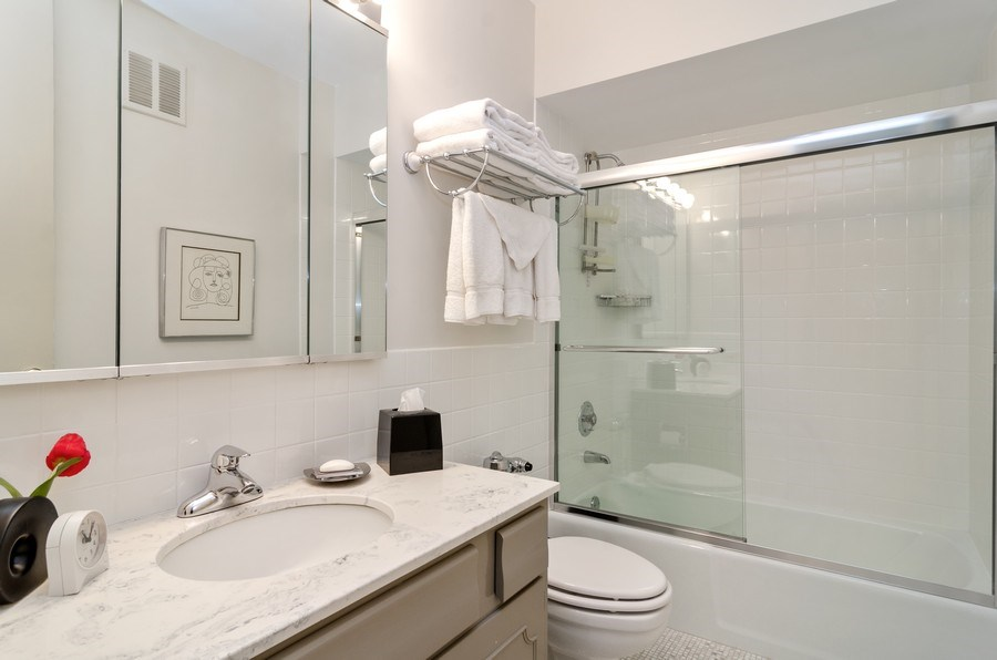 Real Estate Photography - 1240 N Lake Shore Drive, Unit 9B, Chicago, IL, 60610 - 2nd Bathroom