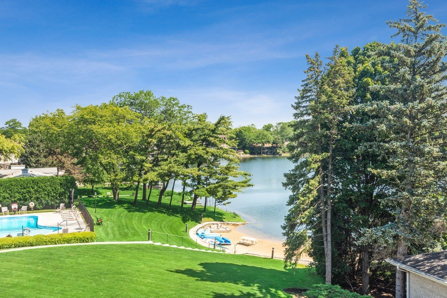 Real Estate Photography - 1 N Dee, Park Ridge, IL, 60068 - Lake View