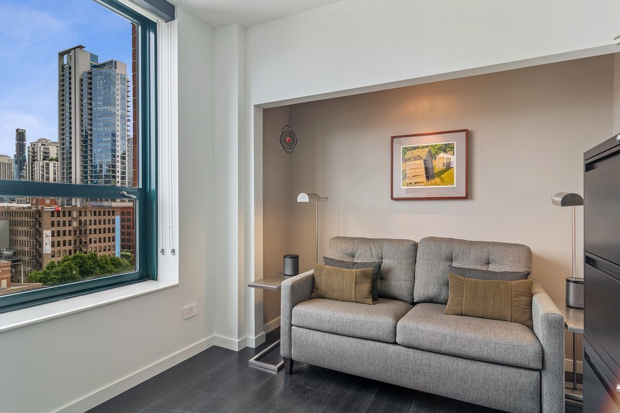 Real Estate Photography - 400 West Ontario, Unit 905, Chicago, IL, 60654 - 2nd Bedroom