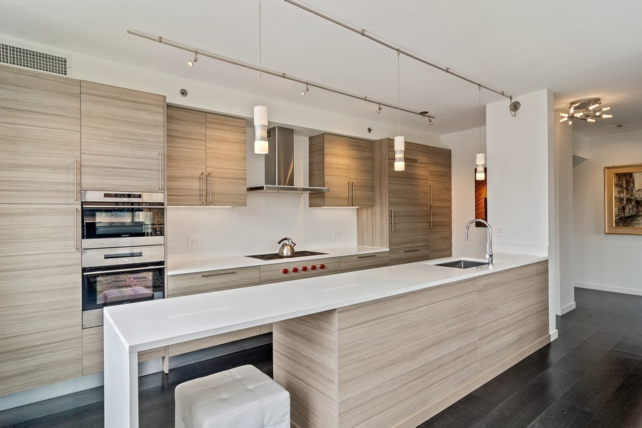 Real Estate Photography - 400 West Ontario, Unit 905, Chicago, IL, 60654 - Kitchen