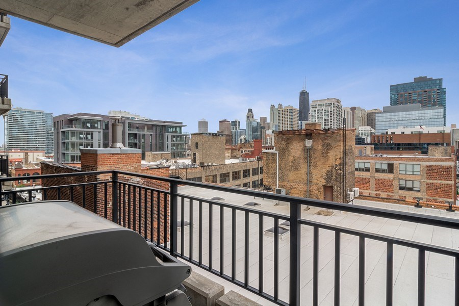 Real Estate Photography - 400 West Ontario, Unit 905, Chicago, IL, 60654 - Balcony